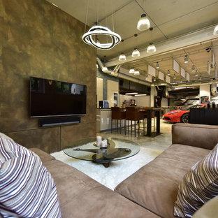 Geräumiges, Repräsentatives Industrial Wohnzimmer im Loft-Stil mit weißer Wandfarbe, Marmorboden, Wand-TV und weißem Boden in Sonstige