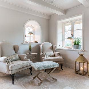 Idee per un piccolo soggiorno country con sala formale e pareti grigie