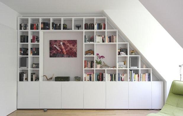 Modern Wohnbereich by GANTZ – Regale  und Einbauschränke nach Maß