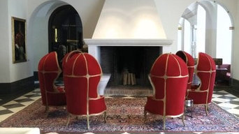 Großer offener Kamin in Lobby
