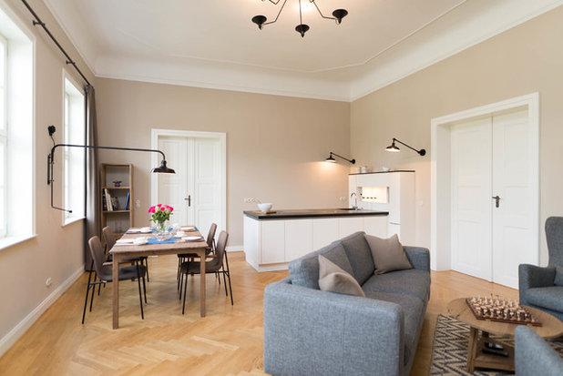 Modern Wohnbereich by raumdeuter