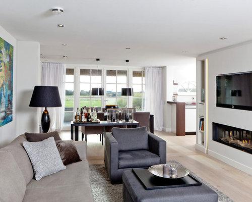 wohnzimmer mit hausbar und wand tv ideen design bilder beispiele. Black Bedroom Furniture Sets. Home Design Ideas