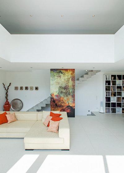 Contemporary Family Room by BAU-WERK-STADT Architekten Thomas Bechtold