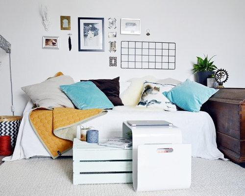 Abgetrenntes, Mittelgroßes Modernes Wohnzimmer Ohne Kamin Mit Weißer  Wandfarbe Und Linoleum In Düsseldorf