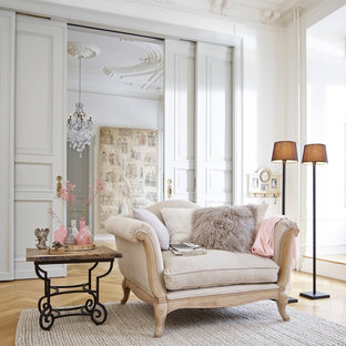 Living Room   Traditional Living Room Idea In Nuremberg