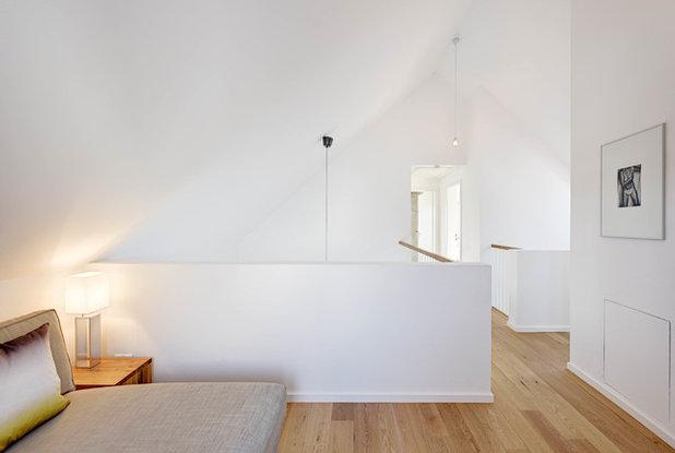 Modern Wohnbereich by dobelstein Architektur