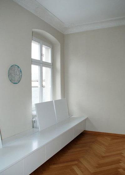 Contemporary Living Room by cappellerarchitekten