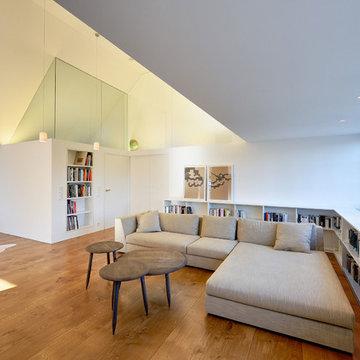 Moderner, individueller Dachausbau und Sanierung einer Villa in Berlin