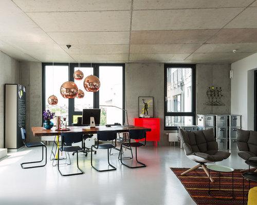 Großes, Offenes Modernes Wohnzimmer Mit Grauer Wandfarbe Und Linoleum In  Hamburg