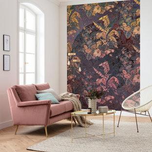 ミュンヘンの大きいトラディショナルスタイルのおしゃれなファミリールーム (紫の壁、ラミネートの床、茶色い床) の写真