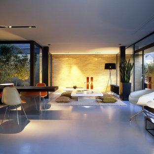 Großes, Offenes, Fernseherloses Mid-Century Wohnzimmer ohne Kamin in Frankfurt am Main
