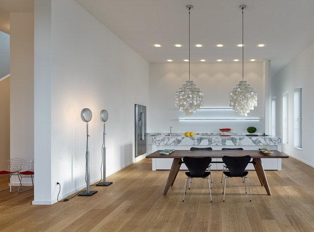 luxuriöser schrankraum in penthouse in kanada