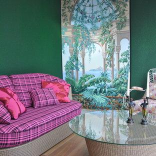 Immagine di un soggiorno classico aperto con sala formale e pareti verdi