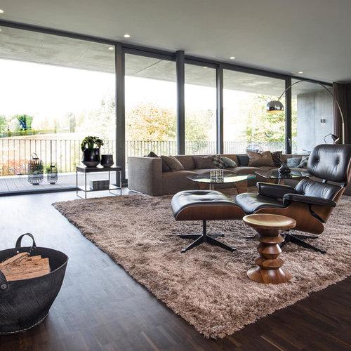 Große Wohnzimmer mit Kaminsims aus Holz Ideen, Design ...