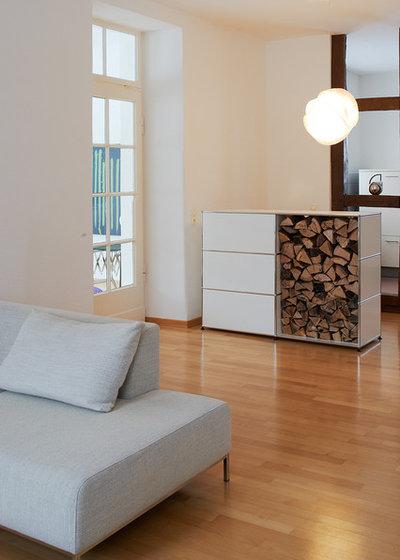 holz in der h tte so wird brennholz sinnvoll und. Black Bedroom Furniture Sets. Home Design Ideas