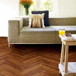 Foto di un soggiorno design con sala formale, pavimento in vinile e pavimento marrone