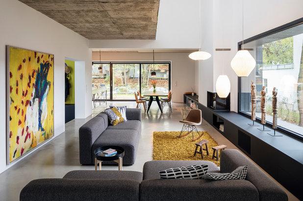 Modern Wohnbereich by SEHW Architektur GmbH
