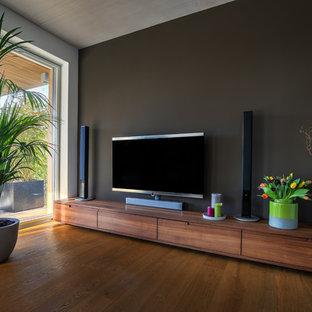 Sideboard Nussbaum im Wohnzimmer