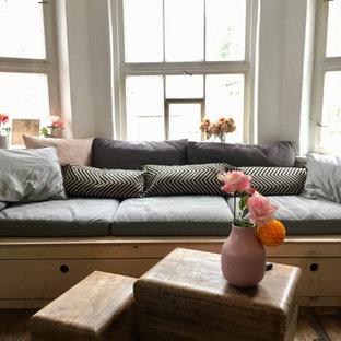 Sitzbank am Fenster