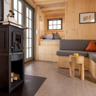 Kleines Rustikales Wohnzimmer in Sonstige