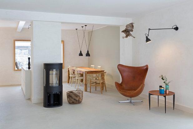Skandinavisch Wohnbereich by CARLO Berlin - Architektur & Interior Design