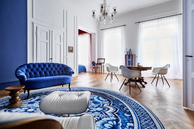 Modern Wohnbereich by von Savigny Interior
