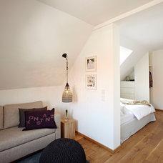 Contemporary Living Room by Ute Günther INNENARCHITEKTUR & DESIGN