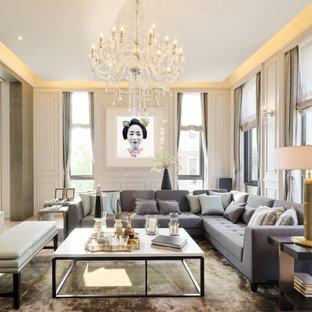 Großes, Repräsentatives, Abgetrenntes Klassisches Wohnzimmer Mit Weißer  Wandfarbe In Berlin