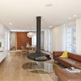 Salon avec cheminée suspendue Stuttgart : Photos et idées ...