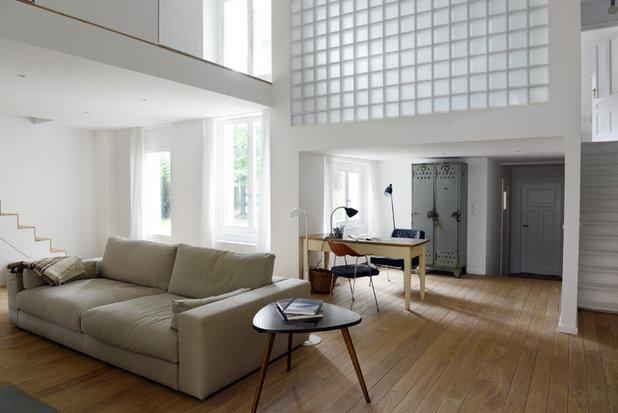 Skandinavisch Wohnzimmer by Studio Swen Burgheim