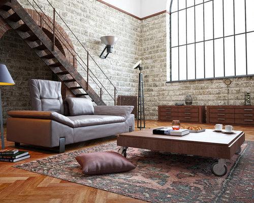 Wohnidee Fr Grosse Fernseherlose Industrial Wohnzimmer Ohne Kamin Mit Weisser Wandfarbe Und Braunem Holzboden In