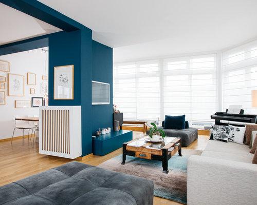 Wohnzimmer mit Wand-TV und blauer Wandfarbe Ideen, Design & Bilder ...