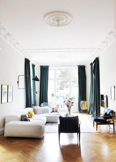 Eklektisch Wohnzimmer by OH WHAT A ROOM