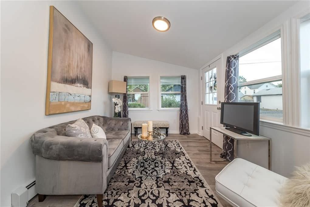 Vine Street Staging Project