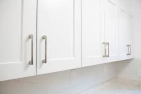 kitchen cabinets gloss or semi gloss help satin or semi gloss sheen for cabinets 20447