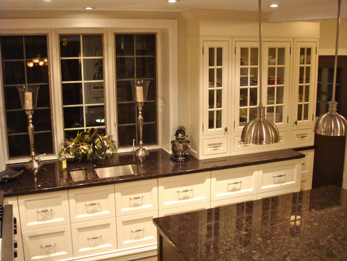 i have autumn brown granite and white cabinets. what color ...