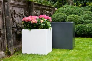 pflanzgef e aus aluminium minimalistisch hamburg. Black Bedroom Furniture Sets. Home Design Ideas