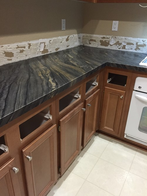 Backsplash Recommendations For Black Fantasy Leathered