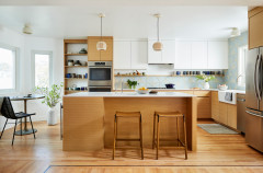 Kitchen Tour: A Mix of White and Wood Creates a Relaxing Mood