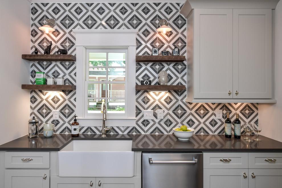 Inspiration for a transitional home design remodel in Atlanta