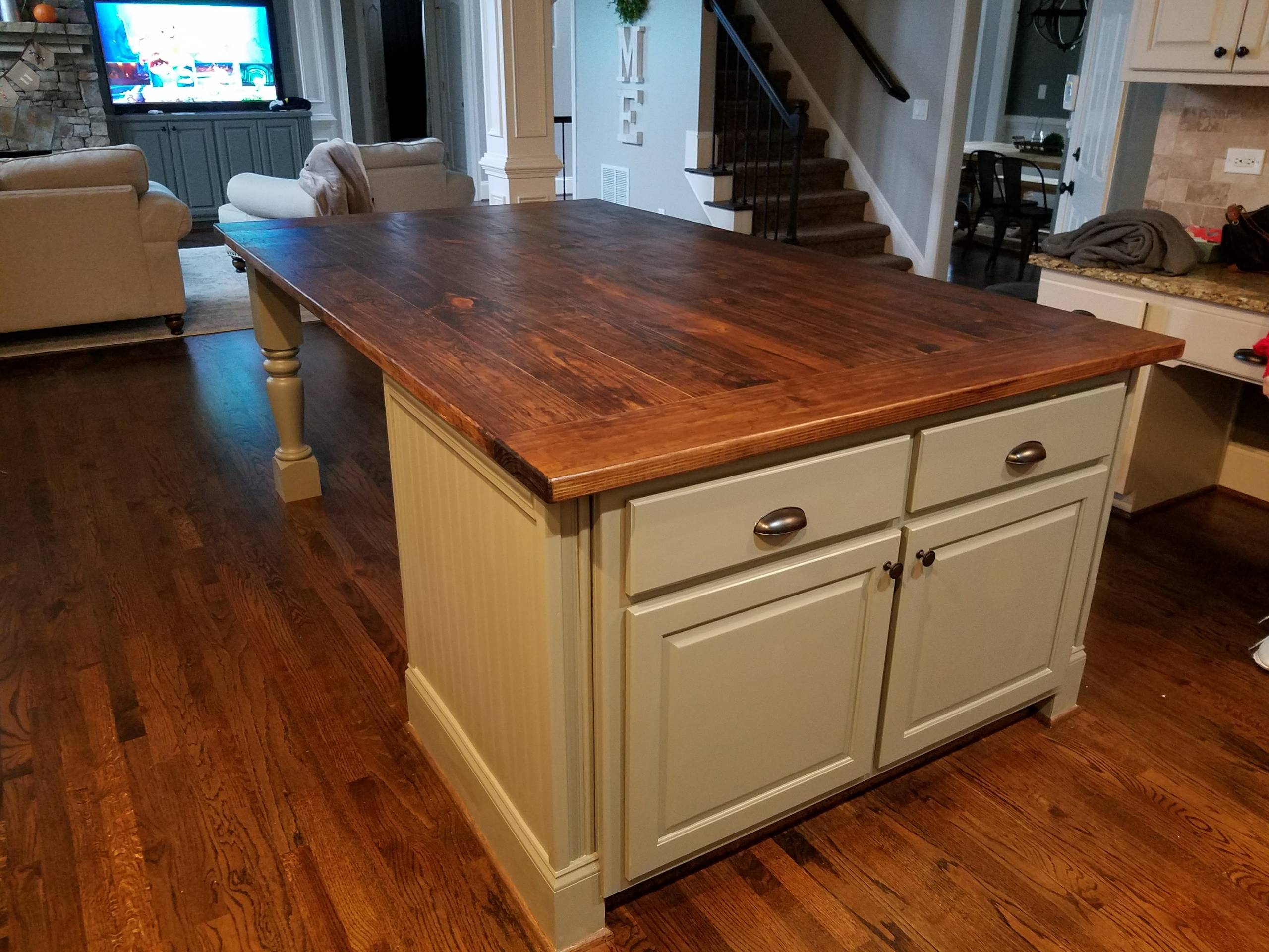 Table build and installation