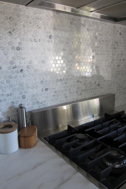 hexagon marble backsplash - modern - houston