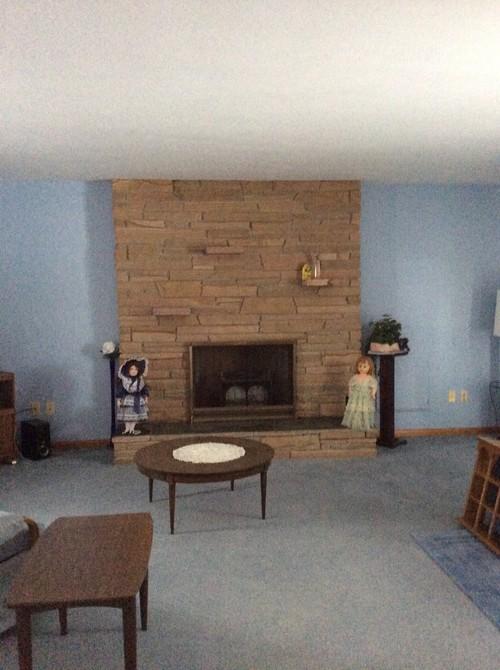 Blue carpet brown furniture what color walls carpet for Dark blue carpet what color walls