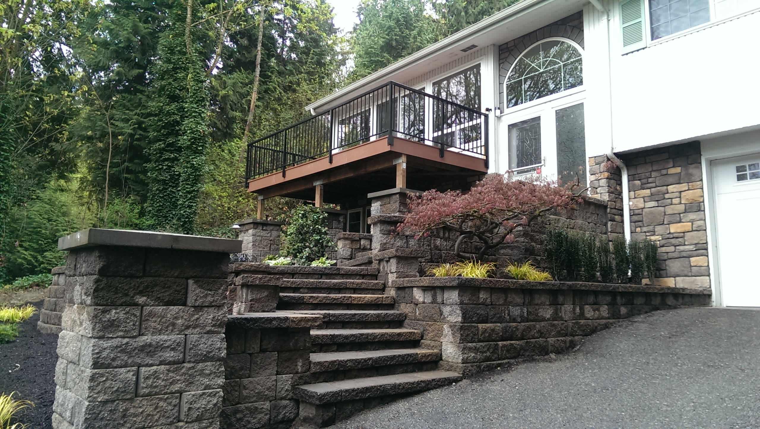 Bellevue Custom Stone Walkway