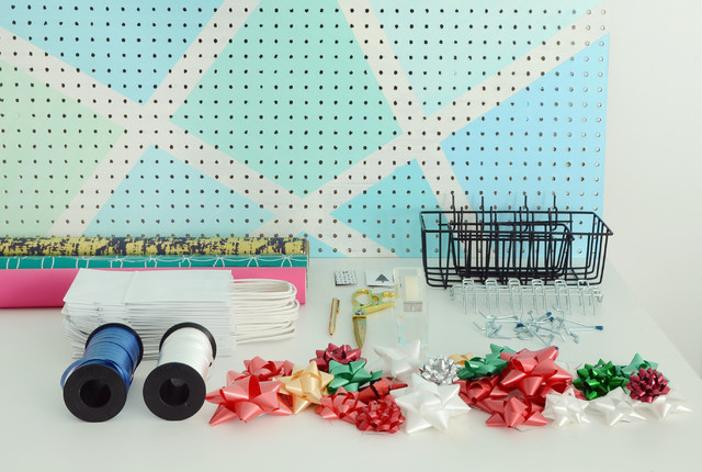 2 Ways To Create A Gift Wring Station