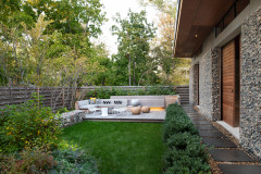 Yard of the Week: Inviting Space for Family, Friends and Wildlife