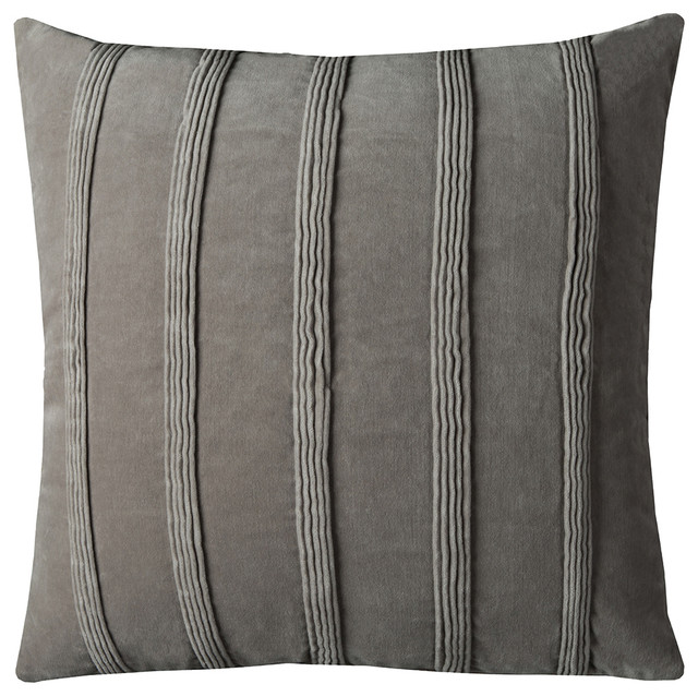 "Rizzy Home T10682 22""x22"" Throw Pillow With Zipper Closer."
