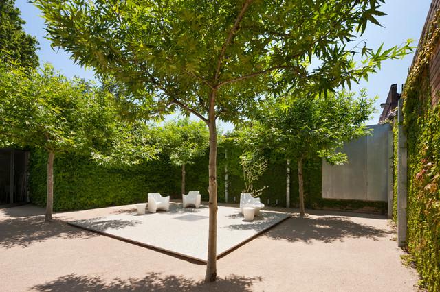 Zinc house carlton modern melbourne by pta landscapes for Landscape contractors melbourne