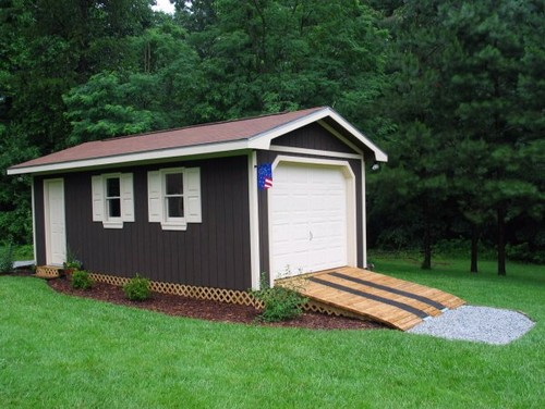 Shed is in! Love it, but I need find a creative fix!