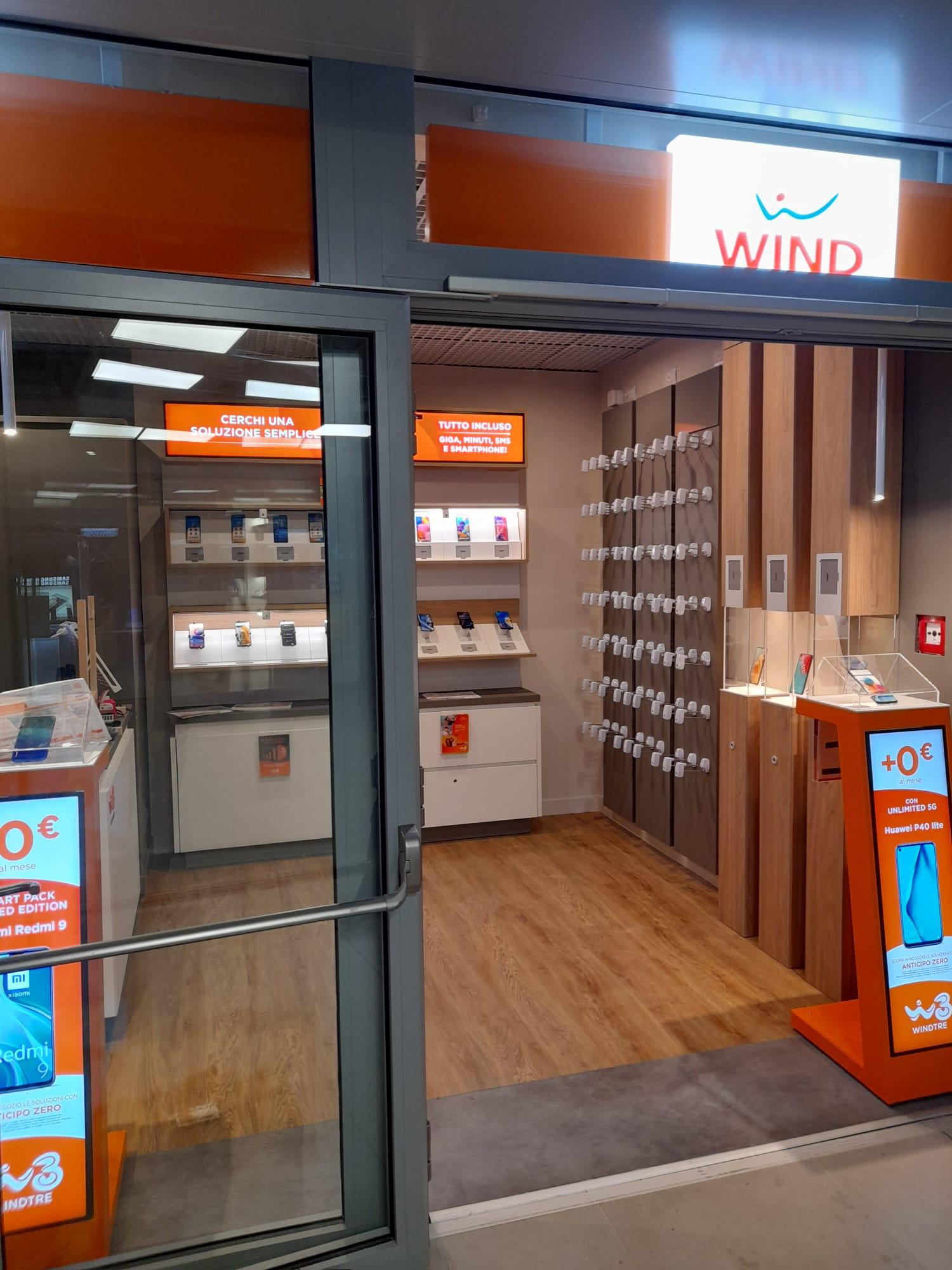 Restyling Centro Wind-Tre Roma Termini